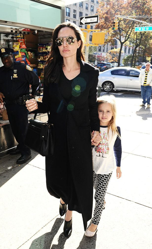 brad-pitt-and-angelina-jolie-take-twins-vivienne-and-knox-to-barnes-and-nobles-on-the-uws