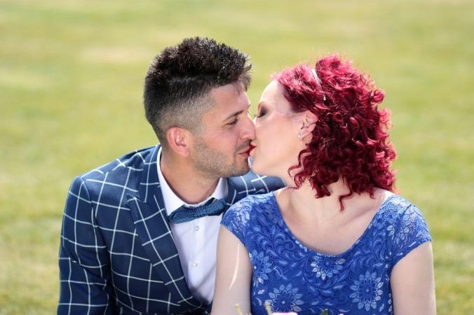 couple-1454999_960_720