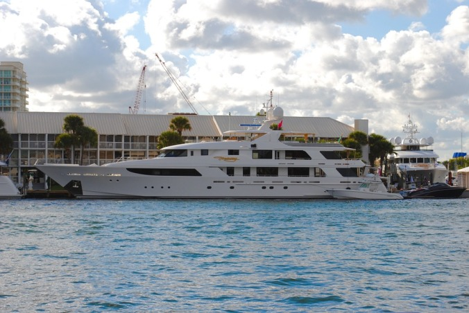 yacht-1040859_960_720.jpg