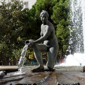 fountain-1875986_960_720